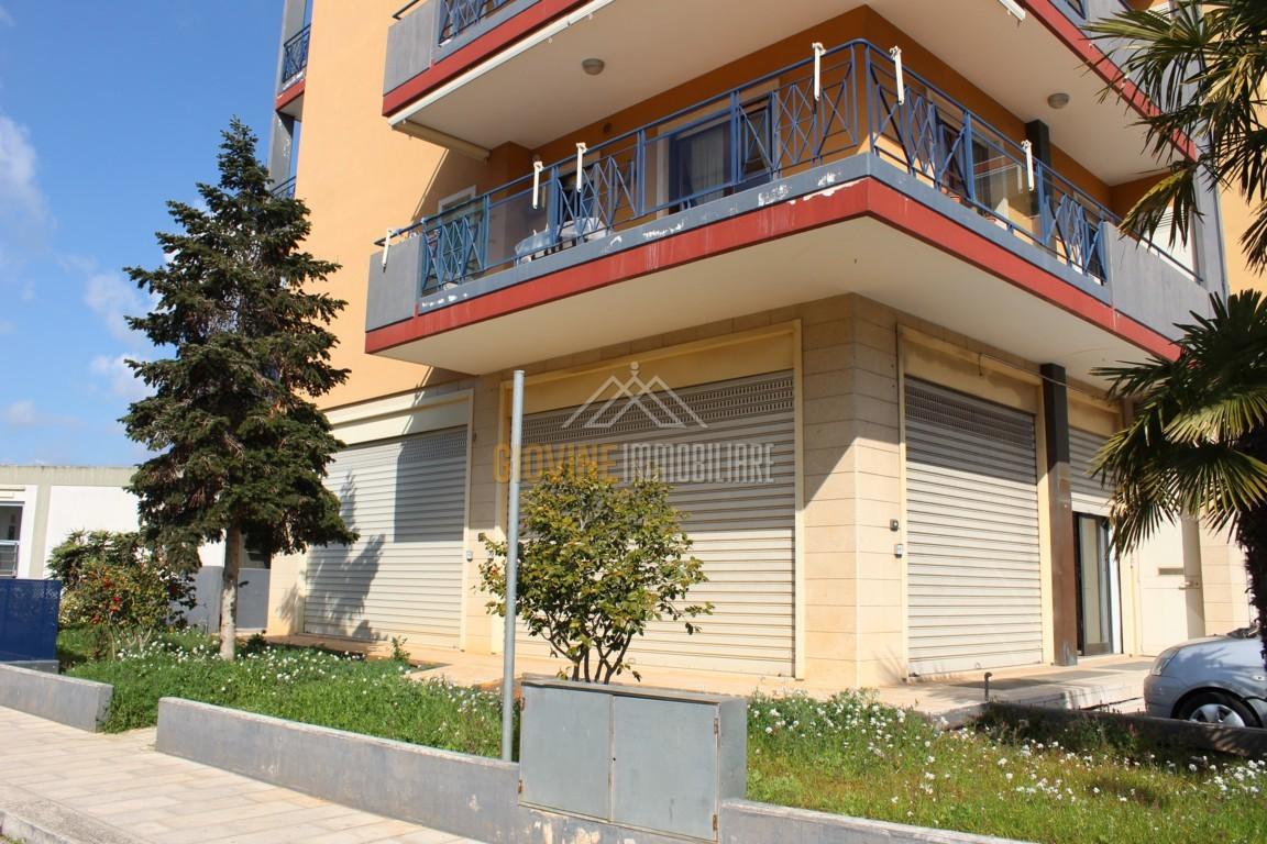 Rif 831 affittasi locali commerciali piano terra viale for Case in affitto arredate putignano